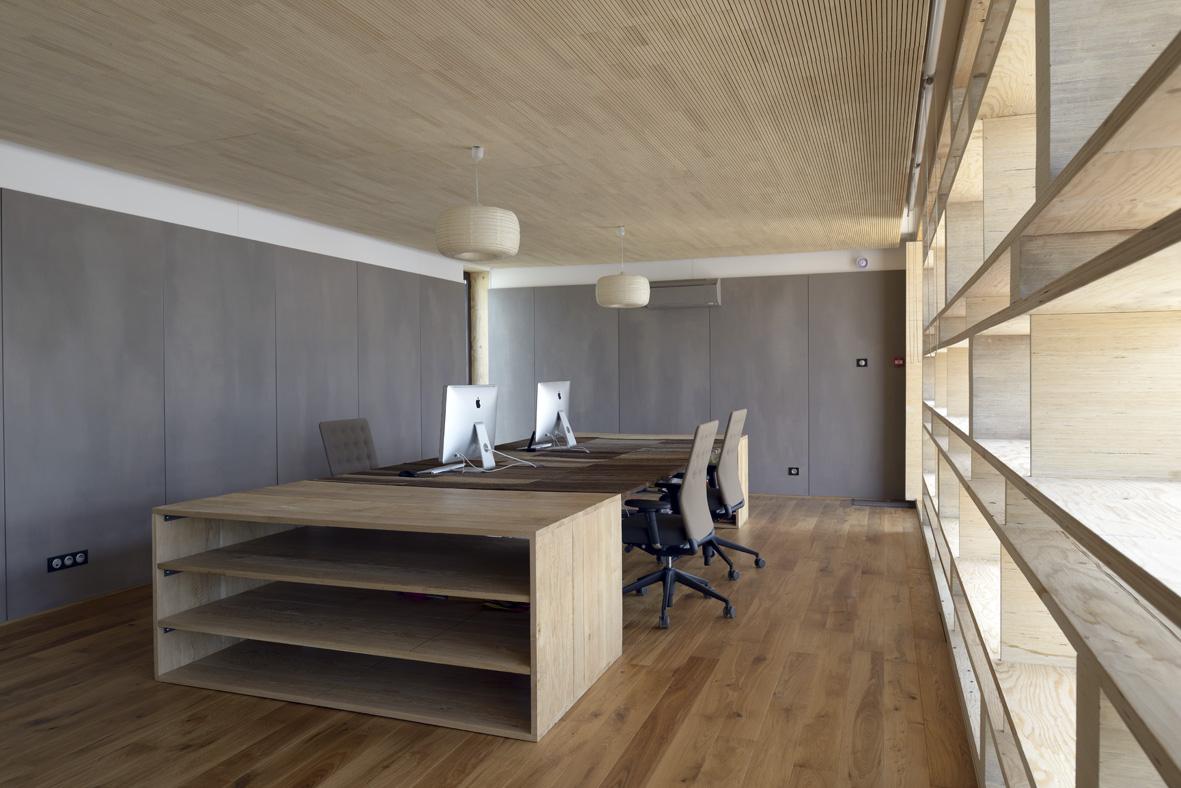 Bureau 70m marseille popup house for Bureau 2 meter