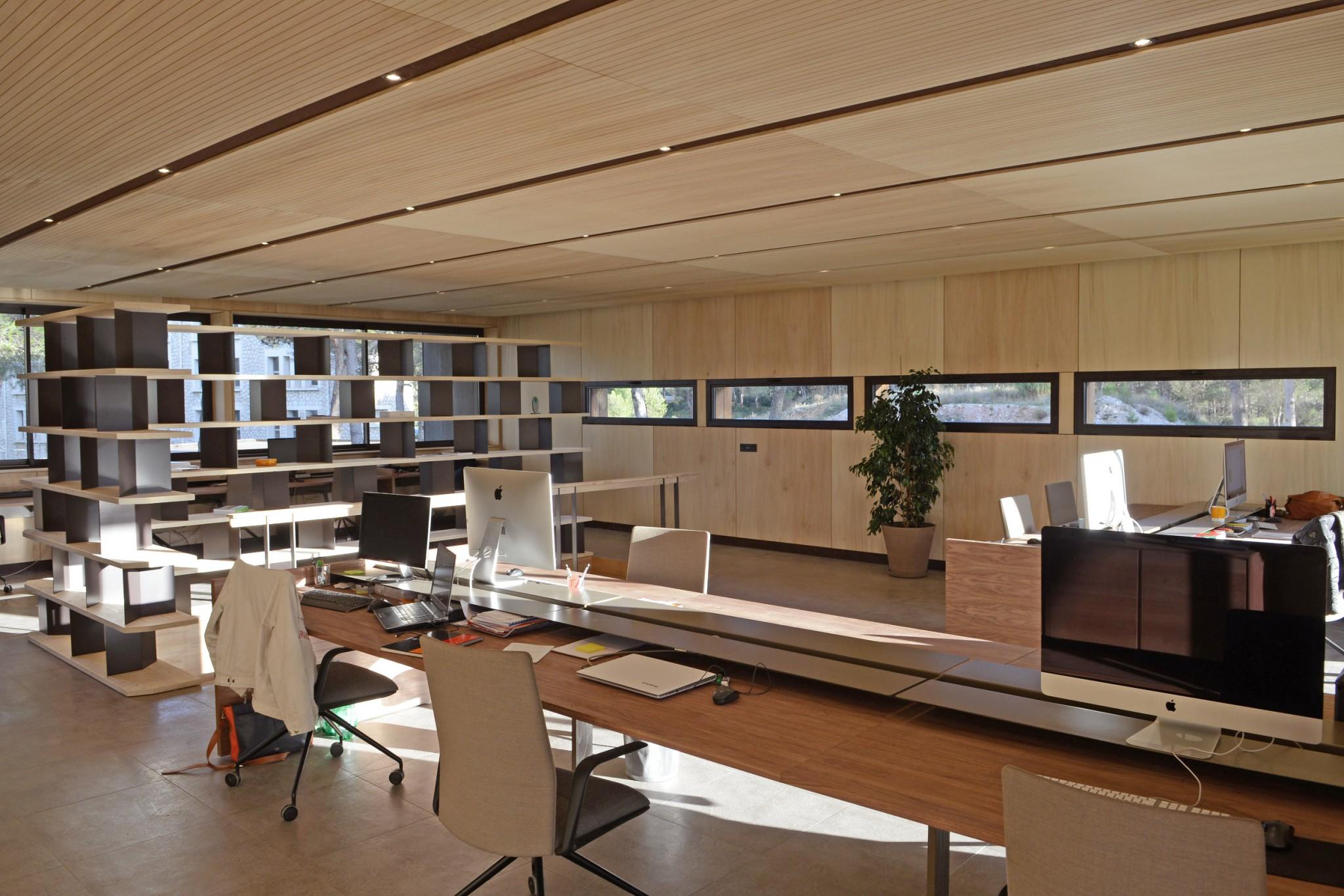 bureau 410m aix en provence popup house. Black Bedroom Furniture Sets. Home Design Ideas
