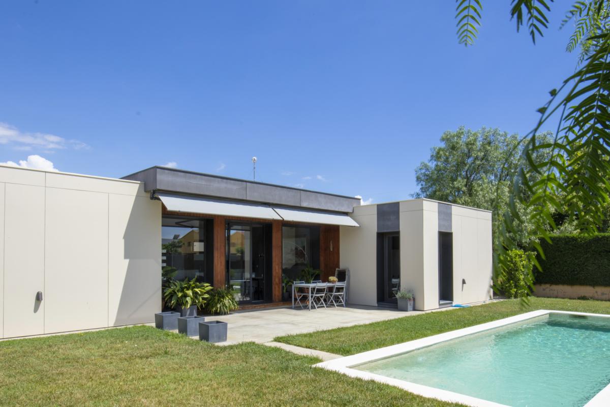 piscine maison design de charme en espagne