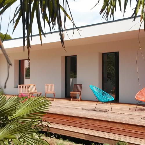 maison ossature bois popup house la rochelle terrasse exterieur
