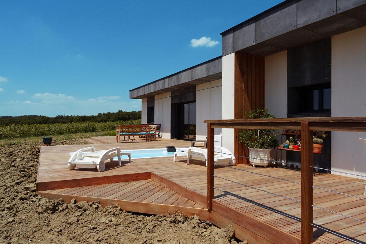 terrace design wooden frame house