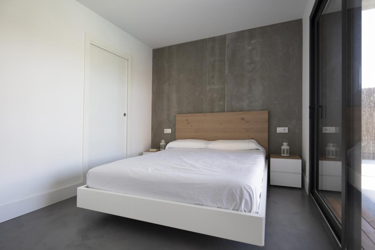 chambre parentale maison passive moderne en bois espagne