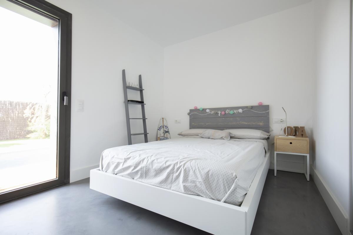 chambre #3 maison passive moderne en bois espagne